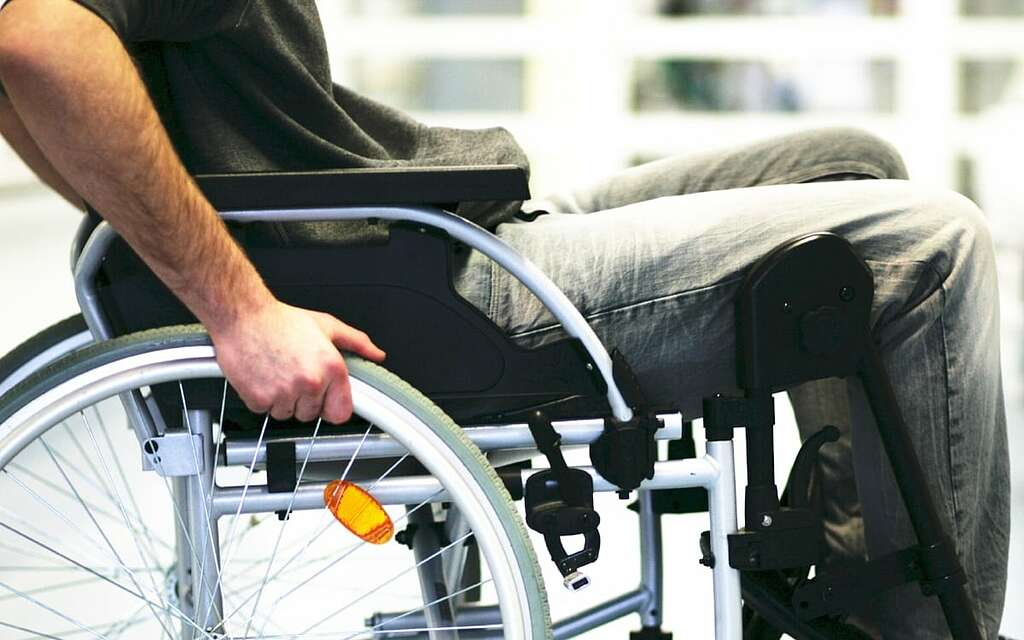 Are you searching for Paralysis care at home? Contact us!