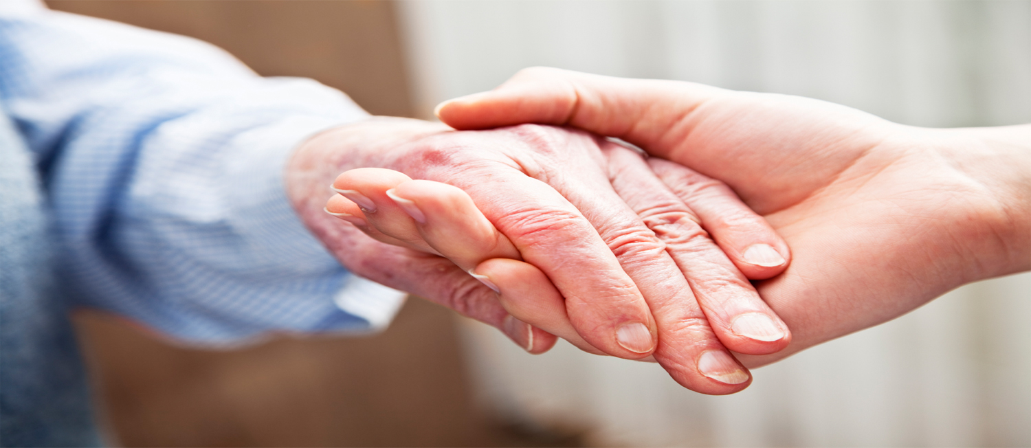What are the benefits of having elderly care at home?